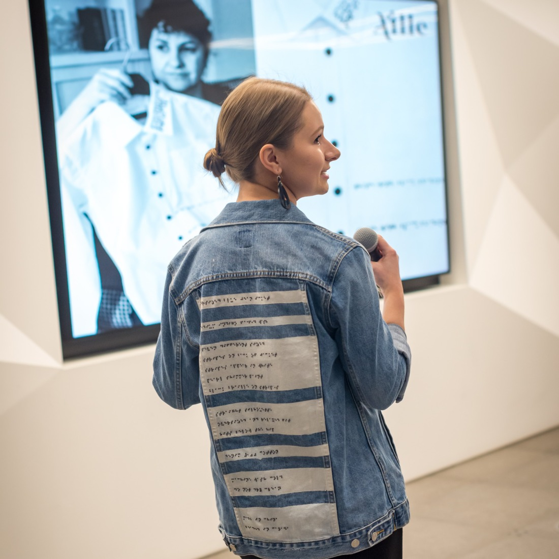 Alexa Jovanovic_Aille Design_Clothing that speaks blog post